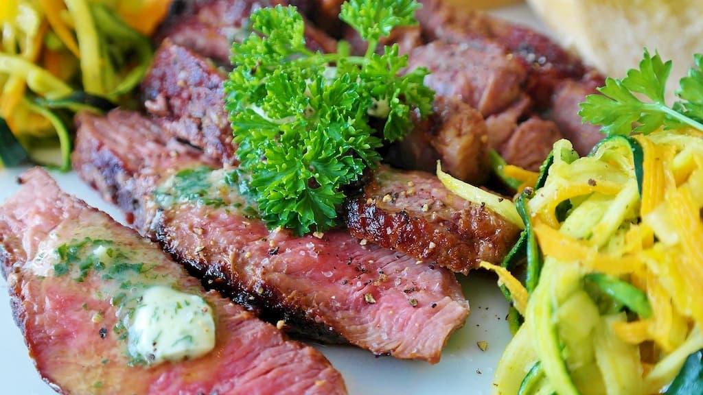 牛肉に含まれる栄養素は?