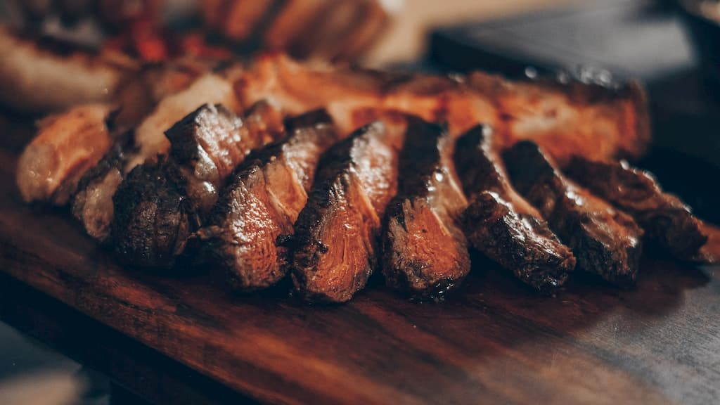 理由1:お肉を含む動物性食品を食べることの体への影響