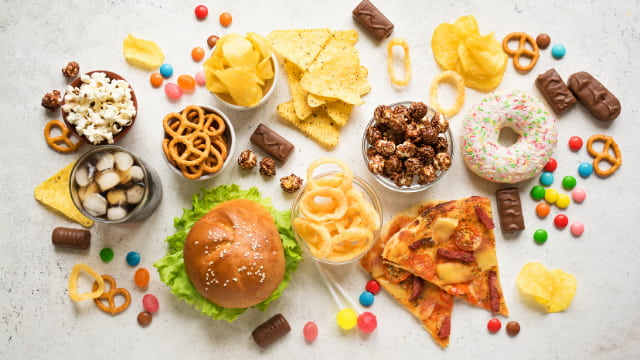 食欲を暴走させる『激うま食品』の定義はこの3つ