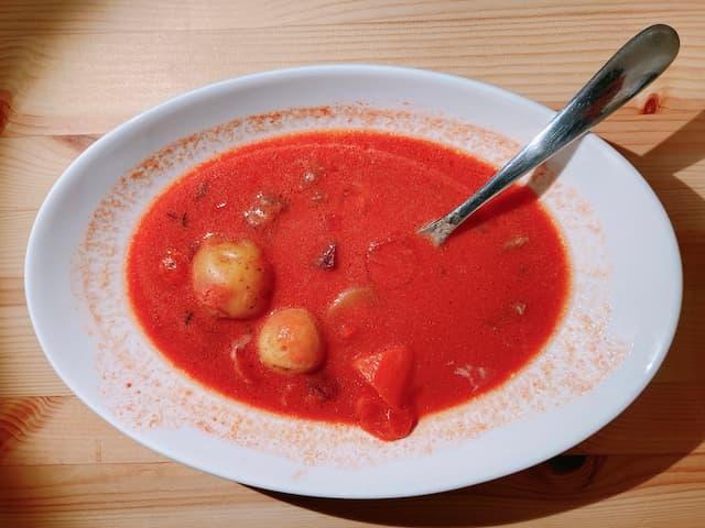 in Romance(赤野菜とグラスフェッドバターのトマトシチュー)