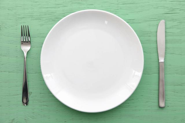 ベースブレッド1個分とサラダチキンの栄養素比較