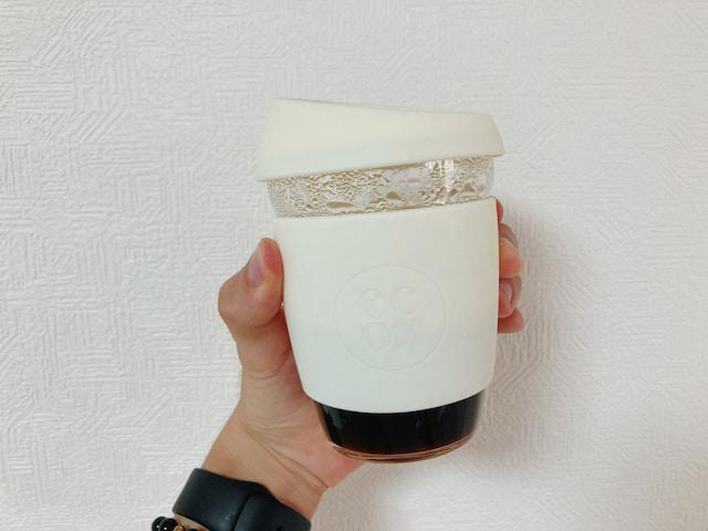 コーヒーを入れたeconawaコーヒーカップ
